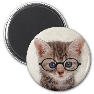Kätzchen mit runden Gläsern Runder Magnet 5,7 Cm