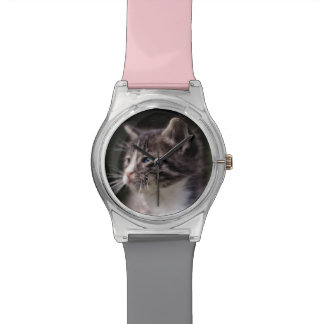 Kätzchen-stehendes hohes armbanduhr