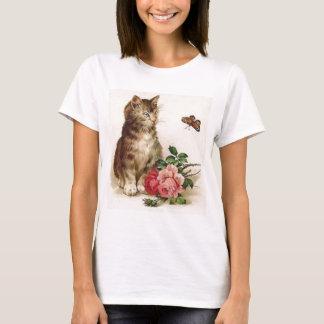 Kätzchen und Schmetterling T-Shirt