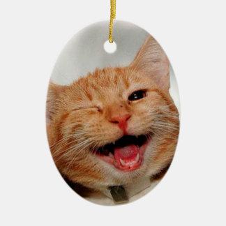 Katze, die blinzelt - orange Katze - lustige Ovales Keramik Ornament