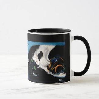 Katze, die das Universum hält Tasse
