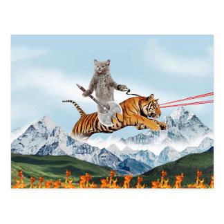 Katze, die einen Tiger reitet Postkarte