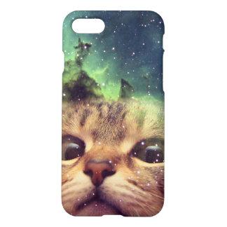 Katze, die in Raum anstarrt iPhone 7 Hülle