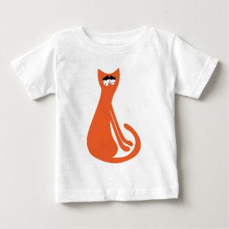 Katze, die seitlich orange so müde Augen sitzt Baby T-shirt