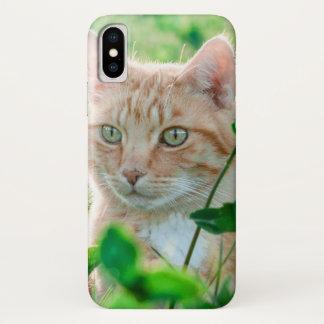 Katze in der Natur iPhone X Hülle