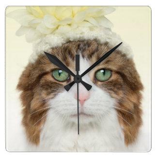 Katze mit Blumen-Hut Quadratische Wanduhr