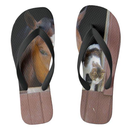 Katze und Pferd - Pferderanch - Pferdeliebhaber Flip Flops