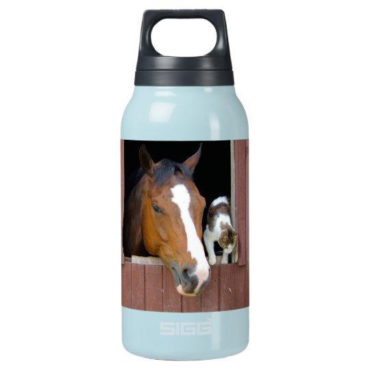 Katze und Pferd - Pferderanch - Pferdeliebhaber Isolierte Flasche