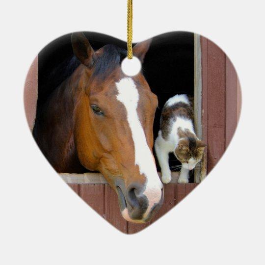 Katze und Pferd - Pferderanch - Pferdeliebhaber Keramik Herz-Ornament