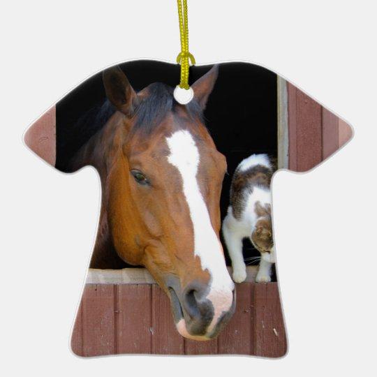 Katze und Pferd - Pferderanch - Pferdeliebhaber Keramik T-Shirt-Ornament