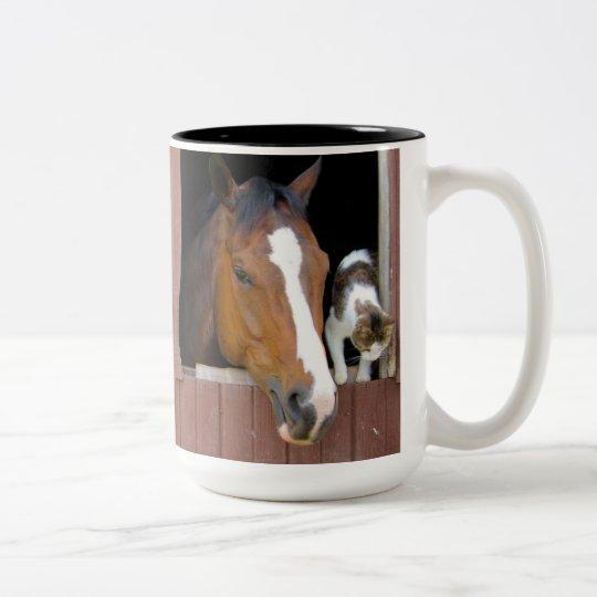 Katze und Pferd - Pferderanch - Pferdeliebhaber Zweifarbige Tasse