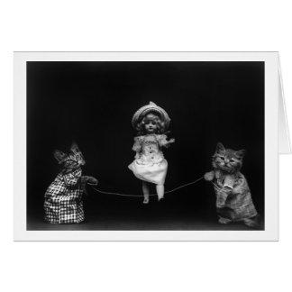 Katzen mit Puppe Karte