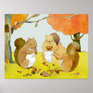 Kauen der Eichhörnchen im Fall-Waldland Poster