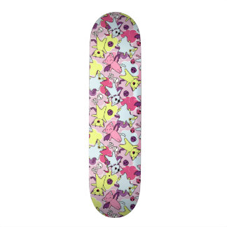 Kawaii Muster von Halloween-Katzen Skateboarddeck