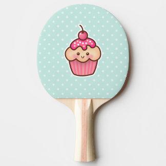 Kawaii rosa kleiner Kuchen und niedliche tadellose Tischtennis Schläger
