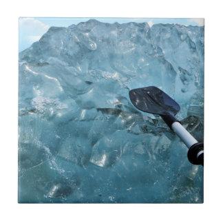 Kayaking mit Eisbergen Fliese