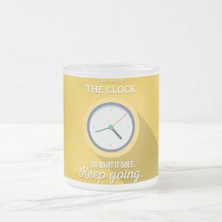 Keep Gehen passen nicht die Uhr auf sich gelb zu Mattglastasse