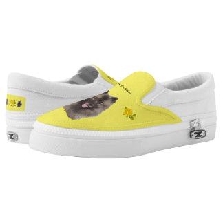 Keeshond und gelbe Rosen Slip-On Sneaker