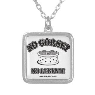 Kein Korsett, keine Legende! Versilberte Kette