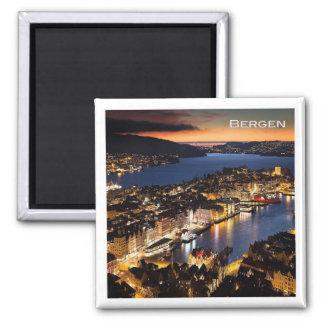 KEIN # Norwegen - Bergen bis zum Nacht Quadratischer Magnet