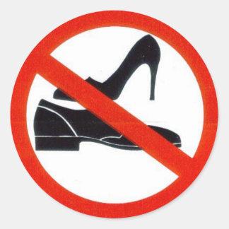 Keine Schuhe bordeigen Runder Aufkleber