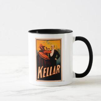 Kellar Magier-trinkender Wein mit dem Teufel Tasse