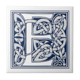 Keltische Drache-Initiale E Keramikfliese
