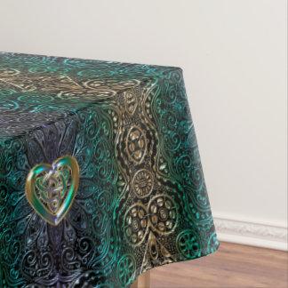 Keltische Herz-Mandala im Grün und in der Tischdecke