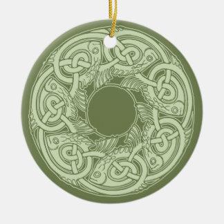 Keltische Knüpfarbeit-Fische im Grün Rundes Keramik Ornament