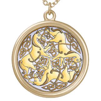 Keltische Pferde und Knoten im Kreis Personalisierter Schmuck