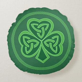 Keltisches Knoten-Kleeblatt Rundes Kissen