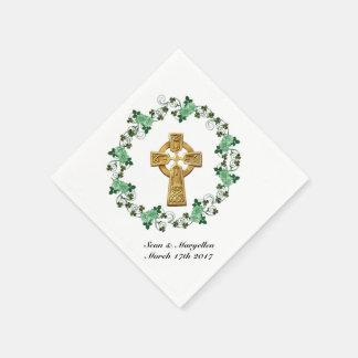 Keltisches Kreuz und irische Papierserviette