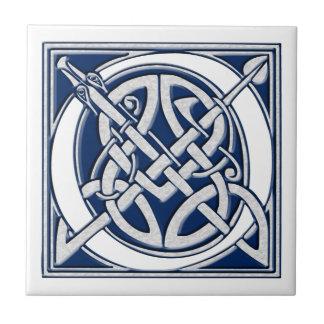 Keltisches O-Monogramm Fliese