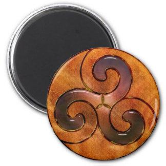 keltisches triskele auf Gold Magnete
