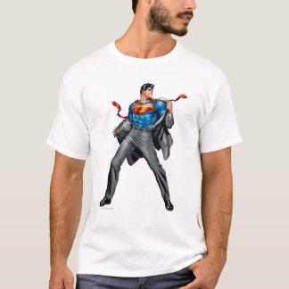 Kent ändert in Supermann T-Shirt
