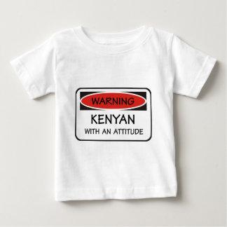 Kenyan mit einer Haltung Baby T-shirt