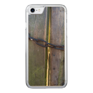Kette auf Holz Carved iPhone 8/7 Hülle