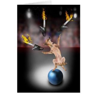 Kettensägen-jonglierende Chihuahua Karte