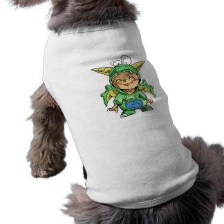 Kind im niedlichen Drache-Kostüm Shirt