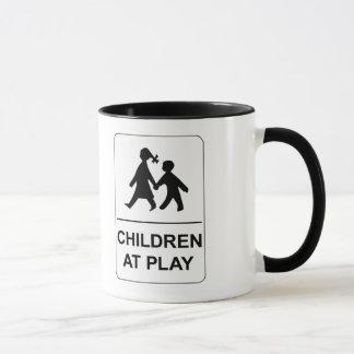 Kinder am Spiel, Minnesota, Verkehrszeichen, USA Tasse