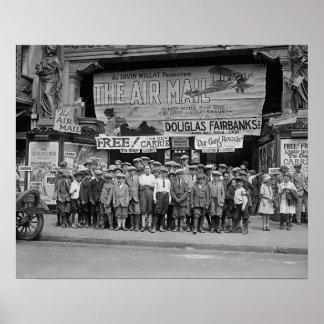 Kinder an den Filmen, 1925. Vintages Foto Poster