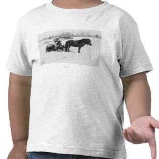 Kinder auf Pony gezeichneter Schlitten-Fotografie Shirts