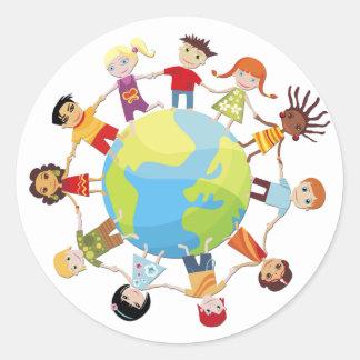Kinder für Weltfrieden Runder Aufkleber