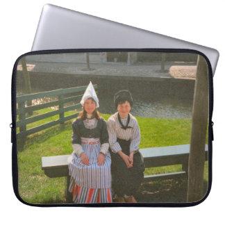 Kinder im niederländischen nationalen Kostüm Laptop Sleeve Schutzhüllen