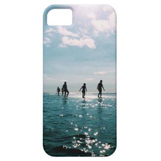 Kinder um den Strand iPhone 5 Hülle