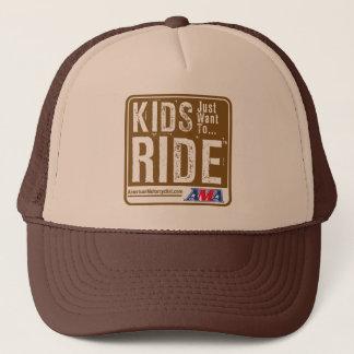 Kinder wollen gerade, um zu reiten truckerkappe