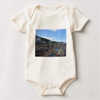 Kingsand: Felsiger kornischer Strand Baby Strampler