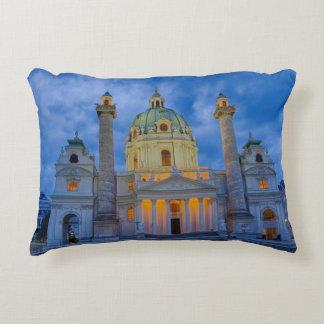 Kirche von Heiligem Charles, Wien Zierkissen
