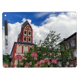 Kirche von St Bartholomew, Lüttich, Belgien Trockenlöschtafel Mit Schlüsselanhängern