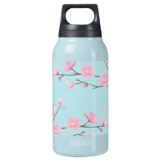 Kirschblüte - Himmel-Blau Isolierte Flasche